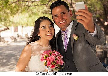 mariée, prendre, palefrenier, selfie