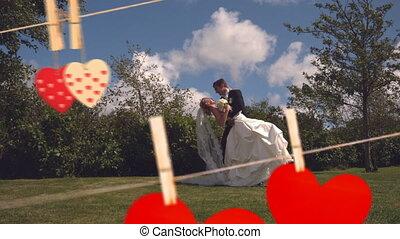 mariés, espace vert, jour, couple heureux, valentin, baisers