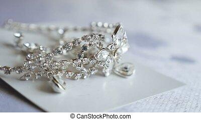 mariage, décoration, mensonges, earrings., diamants, boucles oreille, table