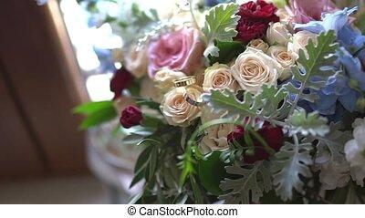 mariage, il, mariée, anneaux, pose, bouquet