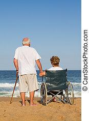 marido esposa, en, playa