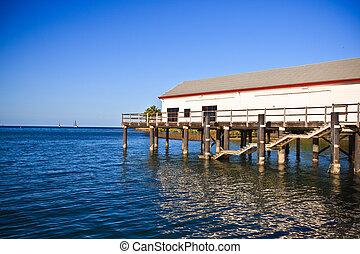 marina, edificio, en, un, muelle