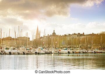 Marina and downtown with Clock tower - Tour de l'Horloge, La Rochelle