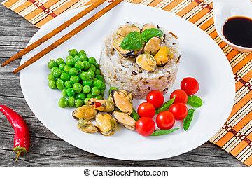 marinado, marrón, primer plano, mejillones, cima, salvaje, arroz, vista