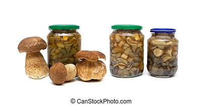 marinated champignons, verre, fond, blanc, pots