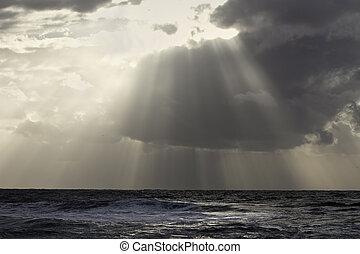 marine, rayons légers, nuageux