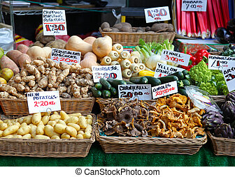 Market stall - Mushrooms and vegetables at farmers market ...