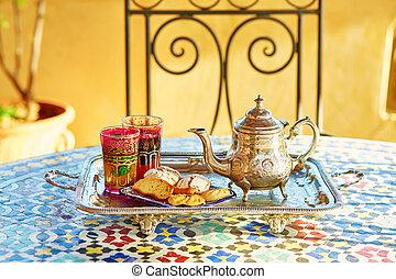 marocchino, té menta, con, dolci