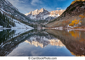 Maroon Bells and Maroon Lake landscape - Maroon Bells and ...