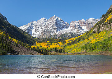 Maroon Bells Autumn - beautiful maroon bells aspen colorado...