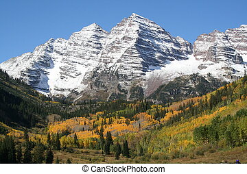 Maroon bells in colorado during fall