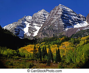 Maroon Bells NoClouds - The Maroon Bells in the White River ...