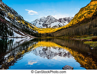 Maroon Bells peak at Maroon Lake - Maroon Bells peak at ...