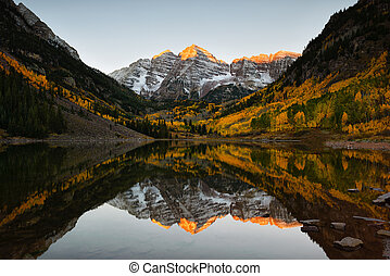 Maroon bells peak sunrise Aspen Fall Colorado