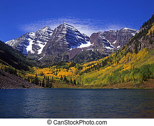 Maroon Bells&Maroon Lk - The twin peaks of the Maroon Bells ...