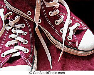 Maroon Sneakers - Maroon chucks