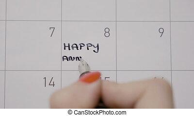 marquer, femme, anniversaire, stylo écriture, noir, mains, utilisation, rappel, calendrier, jour, heureux