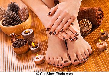 marrón, bambú, manicura, pedicura