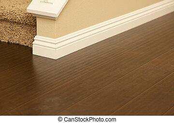 marrón, embaldosado, laminate, installed, baseboards, hogar, nuevamente