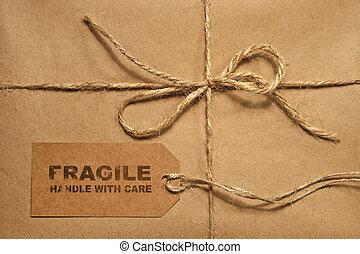marrón, envío, paquete, atado, con, guita, y, etiqueta,...