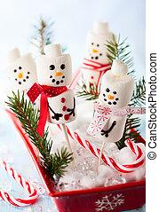 marshmallow snowmen - Marshmallow Snowmen Christmas Candy