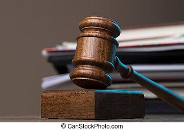 marteau, documents, mensonge, sur, table