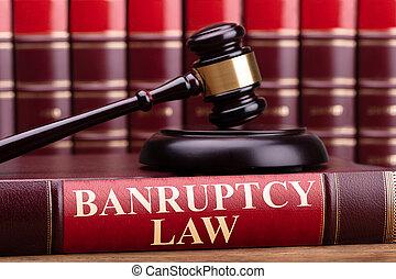 marteau, juge, livre, droit & loi, faillite