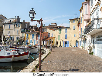 Martigues (Bouches-du-Rhone, Provence-Alpes-Cote d'Azur, France): the old harbor with boats