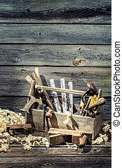 martillo, caja de herramientas, cincel, sierra, carpintería