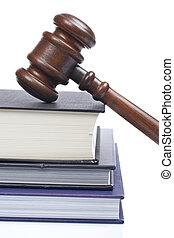 martillo madera, y, libros de ley