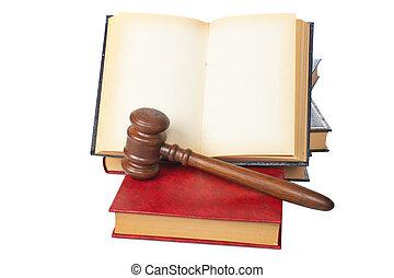 martillo madera, y, viejo, abierto, libro de derecho