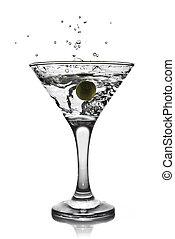 martini, à, olive, et, éclaboussure, isolé, blanc