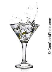 martini, à, olives, et, éclaboussure, isolé, blanc