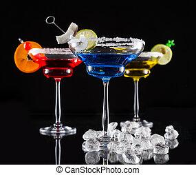 martini, bibite, servito, su, tavola bicchiere