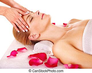 masaż, twarzowy, kobieta, dostając