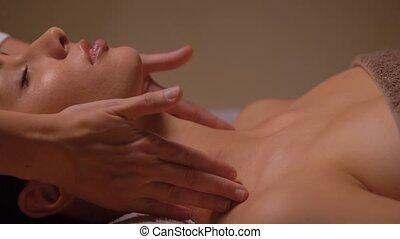 masage, avoir, tête, figure, femme, spa