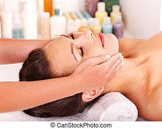 masage, femme, facial, obtenir