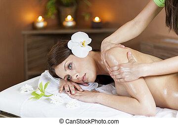 masage, femme, jeune, joli, avoir