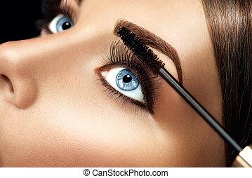 mascara, aplicando, closeup, longo, chicotadas