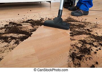 maschio, lavoratore, pulizia, pavimento, con, aspirapolvere