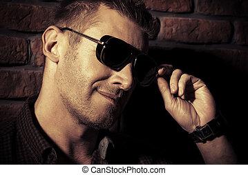 maschio, occhiali da sole