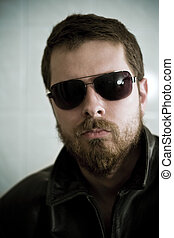 masculino, sujeito, com, óculos de sol