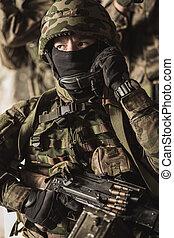 maskerat, beväpnat, tjäna som soldat, in, slag