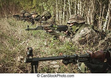 maskerat, tjäna som soldat, utbildning, militär, strategi