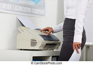 maskin, affärskvinna, avskrift, användande