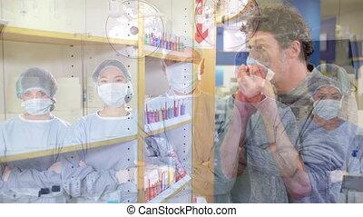 masks., médecins, figure, nez, homme, porter, enduisage, sur...