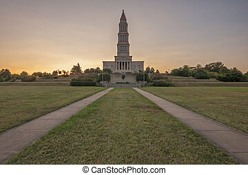 Masonic National Memorial - Front grounds on George...