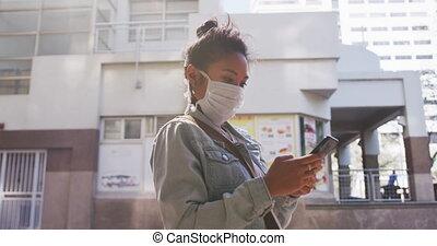 masque, coronavirus, femme, mélangé, monde médical, porter, ...