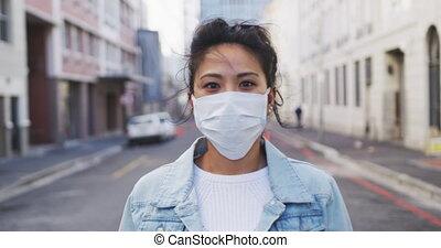 masque, coronavirus, regarder, femme, monde médical, porter...
