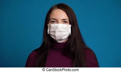 masque, femme, porter, malade, sentiment